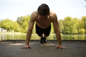 Fitness Agony Übungen mit dem eigenen Körpergewicht Arme