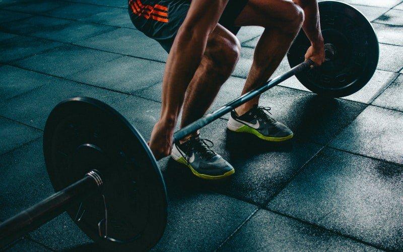 Sport und Alkohol beim Muskelaufbau