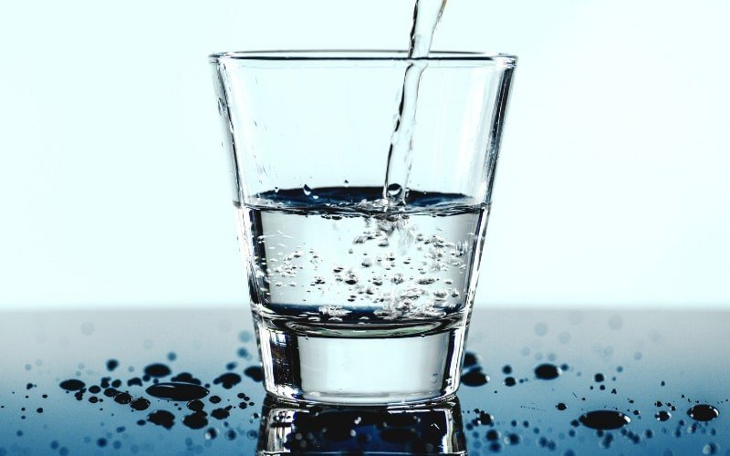 Wichtig: Ausreichend Wasser trinken beim Sport