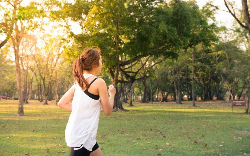 Bewegung zusätzlich zu einer ausgewogenen Ernährung