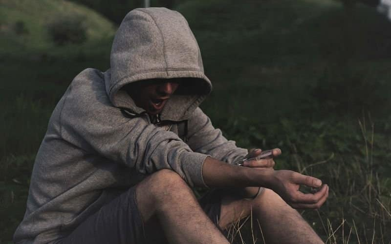 Drogen nehmen um sich abzulenken statt richtig zu entspannen